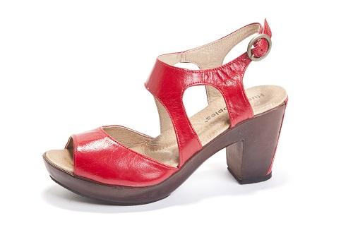 3701103-14.נעלי-האש-פאפיס-לנשים-279.90-שח-צילום-דן-לב-2