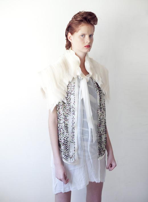 ג'אקט- אנה מתוך פרוייקט גמר שנקר בגד גוף- הדס כץ מתוך פרויקט גמר שנקר חולצת משי- רוני בר