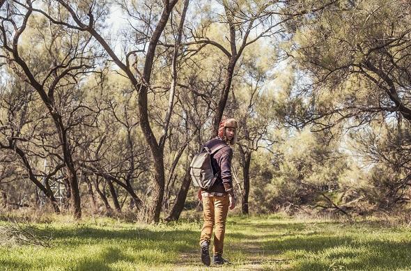 חולצה מכופתרת משובצת- Wrangler / סוודר- H&M / ג׳ינס קאמל- Diesel / נעליים- RENUAR MEN/ תיק גב- Inside Out/ צמיד עור- Seven 4 all mankind/ כובע- אוסף אישי