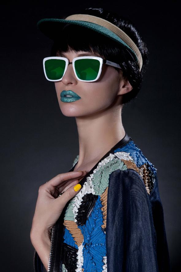 משקפים- פורלה/כובע- אוסף פרטי/ג'קט- דיזל/טבעת - רובי סטאר