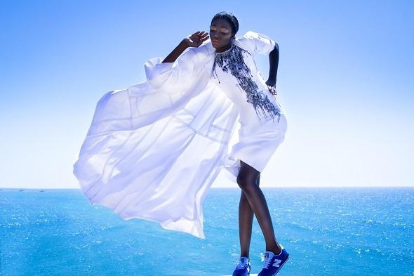 שמלה ועליונית מעיין מילס/ נעליים ניו באלנס