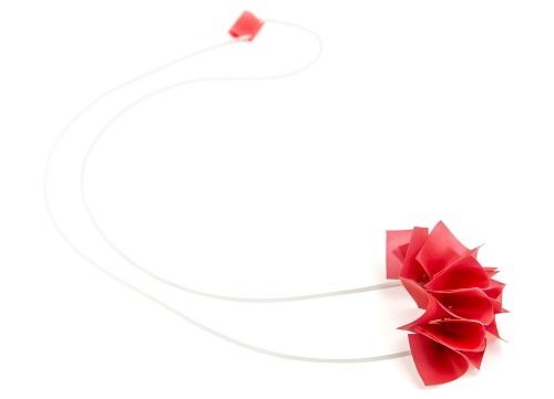 etcetera אוריגומי אדום, 320 שח, צילום נעה קדמי