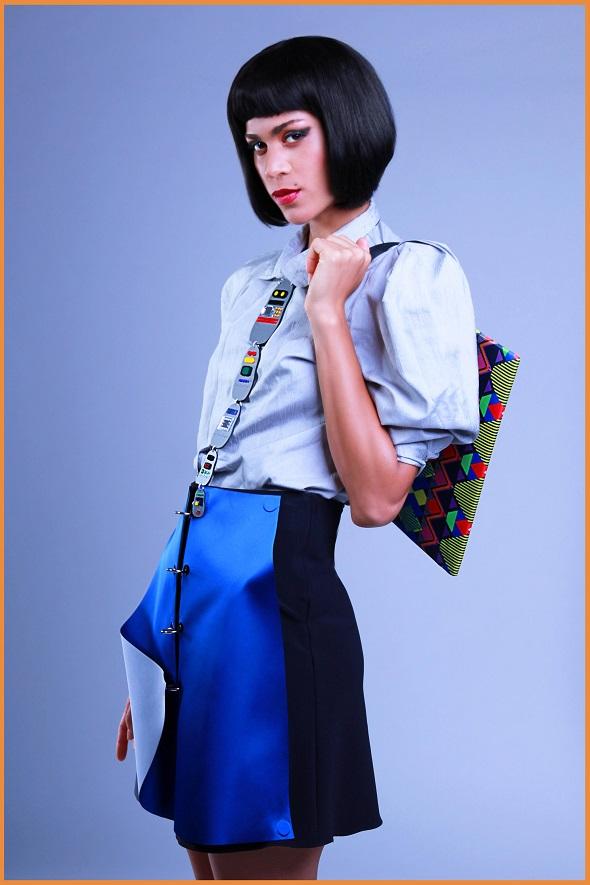 חצאית: ליאת ברנדל גילאון | חולצה: אוסף אישי  | תיק: STONES&CREAM  | שרשרת: מונה ריי
