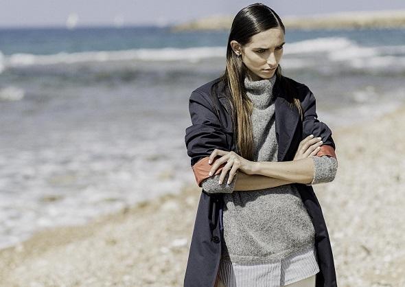 סריג ומכנסיים- H&M / מעיל גשם- טומי הילפיגר