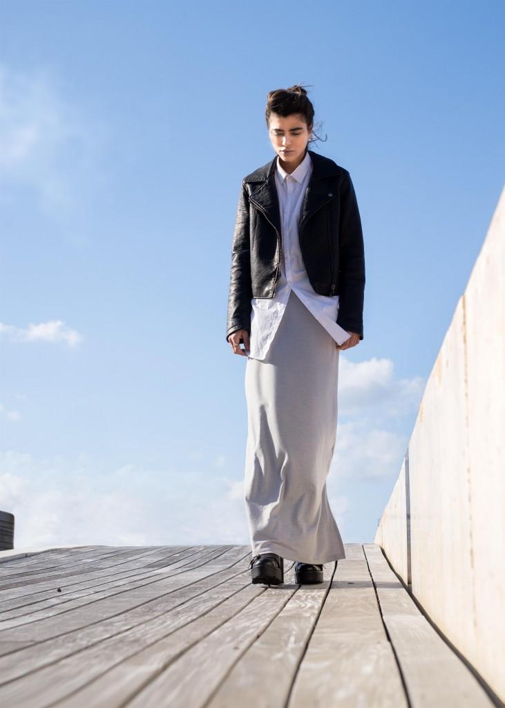 ג'קט, חולצה מכופתרת ונעליים: טופ שופ / חצאית- אוסף פרטי