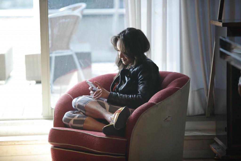 נחה לפני המרתון/ צילום: שוקה כהן