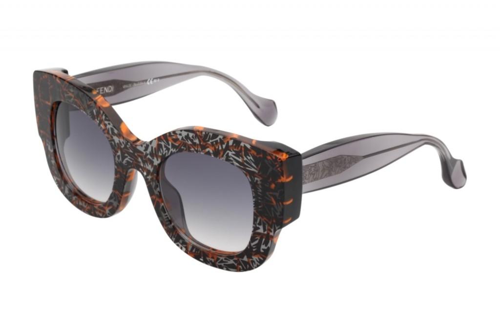 אפשר כזה? דגם Silvy מתוך שיתוף הפעולה בין לסרי לבית האופנה האיטלקי פנדי/ מחיר: 2,499 ₪/ להשיג באירוקה/ צילום: ערן תורג'מן