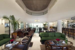 לובי המלון   פינות ישיבה לפגישה עסקית, דרינק של הלילה או סתם רביצה מהנה