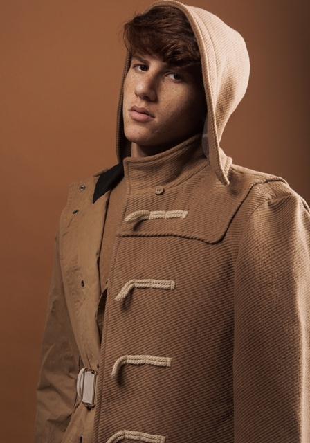 חולצה זארה. מעיל רוח ברשקה.ג'קט קסטרו.חגורה אייץ אנד אם