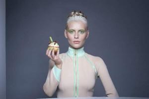 טופ רונן לוין   סופגנייה חלבה פיסטאש   דוגמנית ולדה