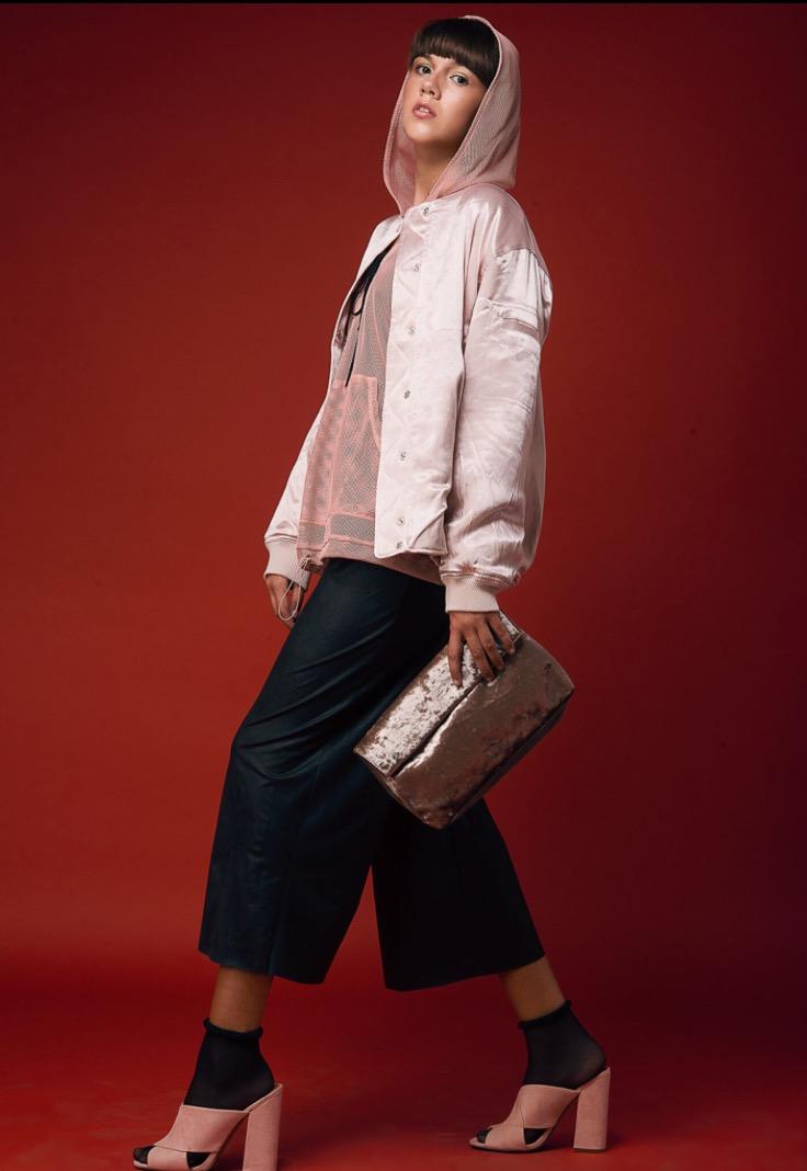מעיל ונעליים H&M   חולצת רשת זארה   אוברול לילמיסט