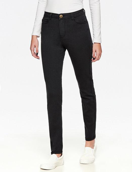 החלוצה הישראלית הראשונה בפיתוח טכנולוגיית ג'ינס, קסטרו, מכנסי הסקנד סקין | צילום: יח''צ