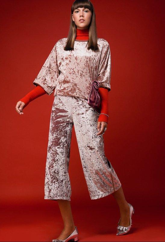 גולף זארה   חולצה ברשקה   מכנסיים פול אנד בר   תיק סאקס   נעליים H&M   תכשיטים DF