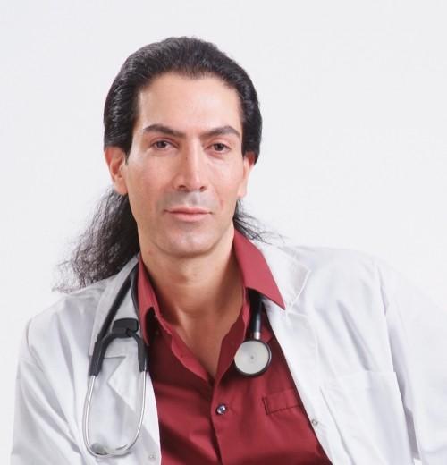 ד״ר אודי בר   מבטיח עור מתוח וזוהר יותר כבר לאחר שישה שבועות   צילום: יח״צ
