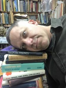 הלפר וספרים   צילום יוליה וורנר