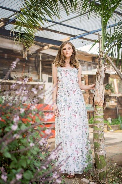 שמלה גילדת המעצבים | סנדלים אלדו  | עגילים פוראבר 21