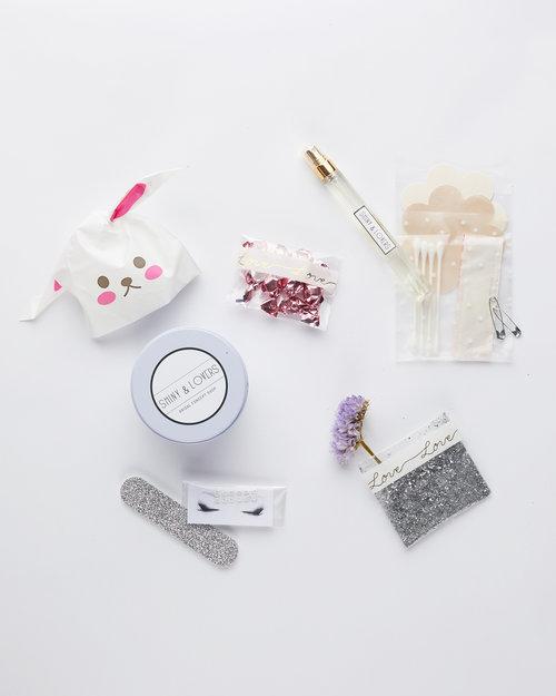 כל מה שכלה צריכה וגם לא    אתר SHINY & LOVERS   צילום: מתוך האתר