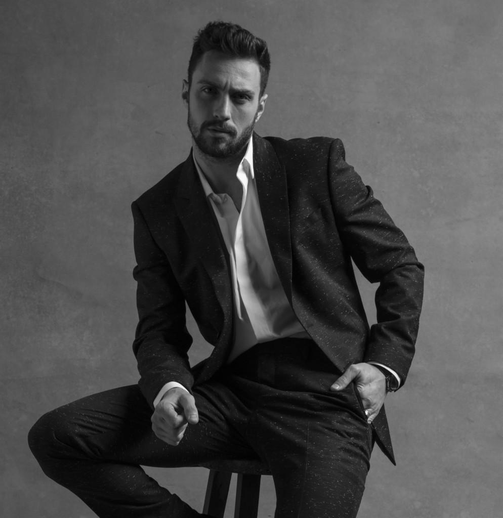 """השחקן אהרון טיילור גונסון פרזנטור הבושם החדש לגברים מבית ג'יבנשי / צילום: יח""""צ חו""""ל"""