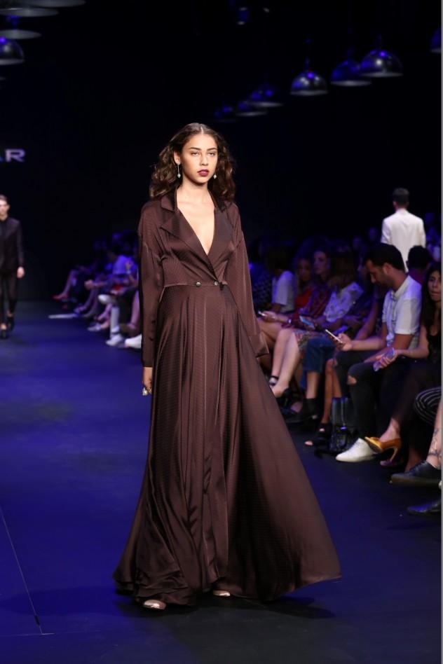 שמלת חובה בארון הבגדים החורפי   קולקציית חורף של רנואר   צילום: לנס הפקות