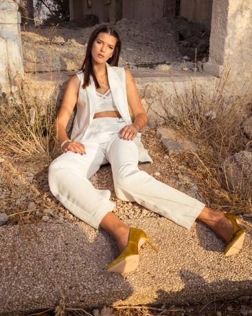 ג'קט CASTRO| טופ BERSHKA | מכנסים MANGO | נעליים ZARA | תכשיטים MAGNOLIA
