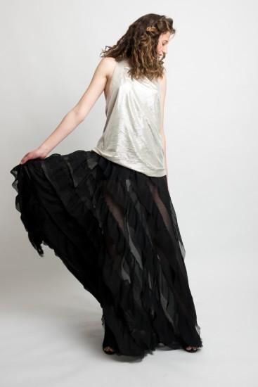 אחרי שנים של עבודה מסחרית לקחה על עצמה לקדם את האופנה הישראלית | צילום: מני פל