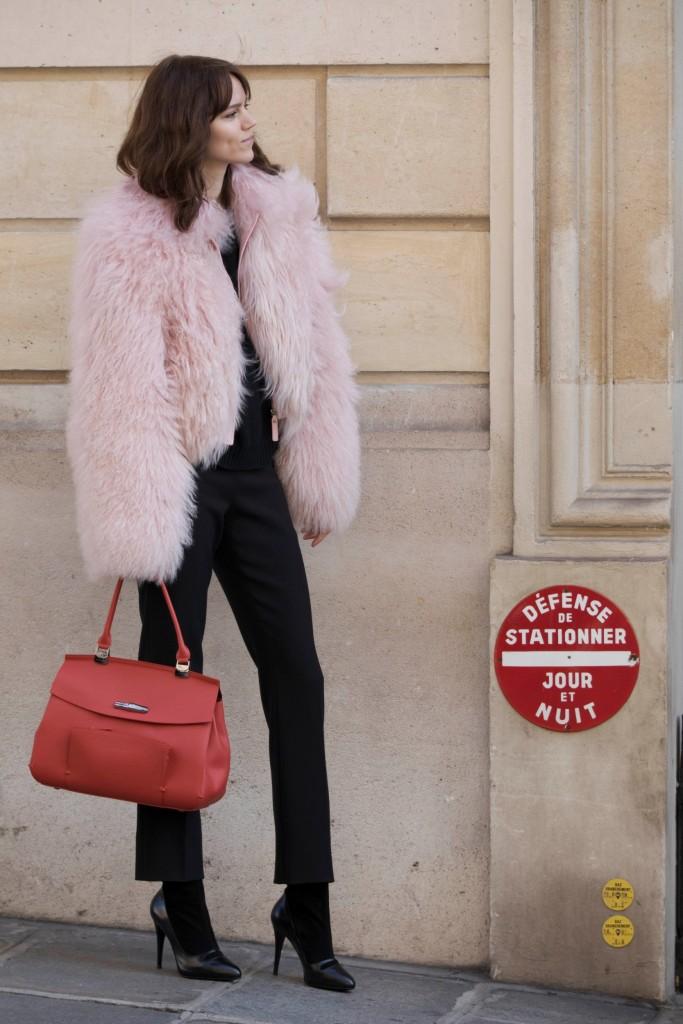 חוזר לעיר מולדתו, פריז | מותג התיקים היוקרתי LONGCHAMP לחורף '18 | צילום: יח''צ חו''ל