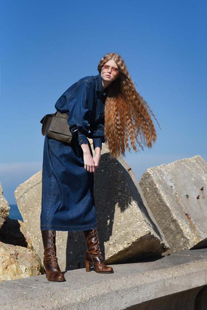 חומר הגלם הג'ינס מקבל פרשנות עכשווית | צילום: מאיר כהן