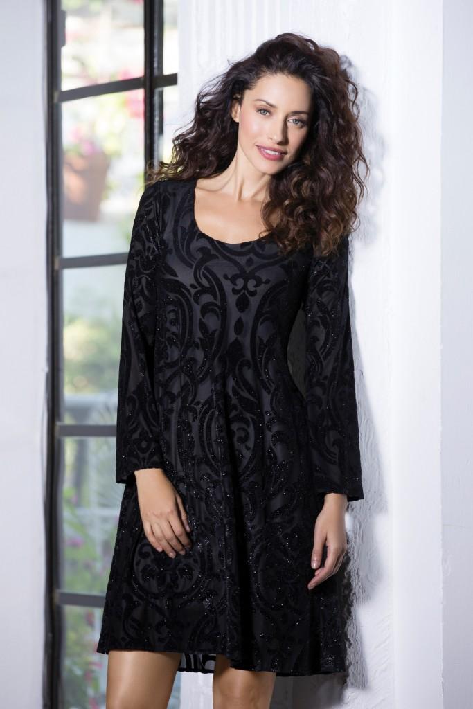 בהחלט נכנסת לקטגוריה השמלה השחורה הקטנה | צילום: יריב פיין וגיא כושי