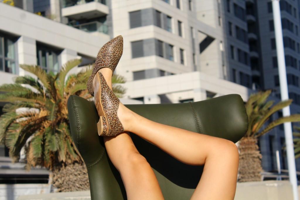 """אימלדה נעלים מנומרות 450  במקום 730 ש""""ח / צילום: ינעם צימביליסטה"""