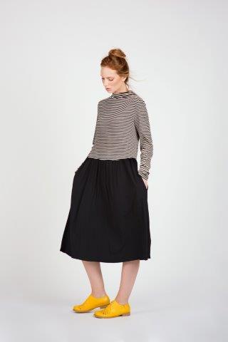 """סופרמרקט / ענת פרידמן שמלה חצי חצי פסים שחור לבן /  300 ש"""" ח במקום 690 ש""""ח / צילום י""""חצ"""