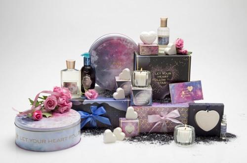 קולקציית המארזים של סבון A Cosmic Valentine's dayקולקציית וולנטיין 2018 צילום דן לב (3) (Custom)