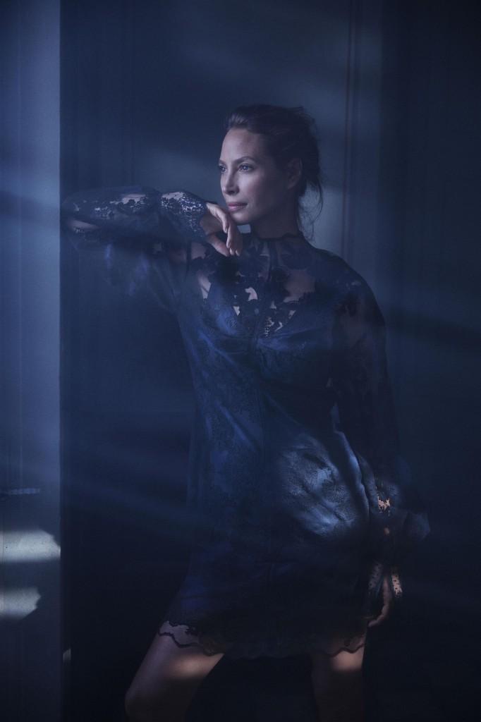 שמלות העשויות מרשתות דיג ופסולת ניילון / H&M קונצ'ס אקסלוסיב / צילום: הנס מוריץ