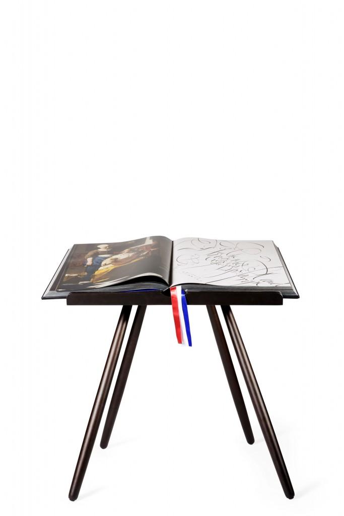 Rijks Book Stand