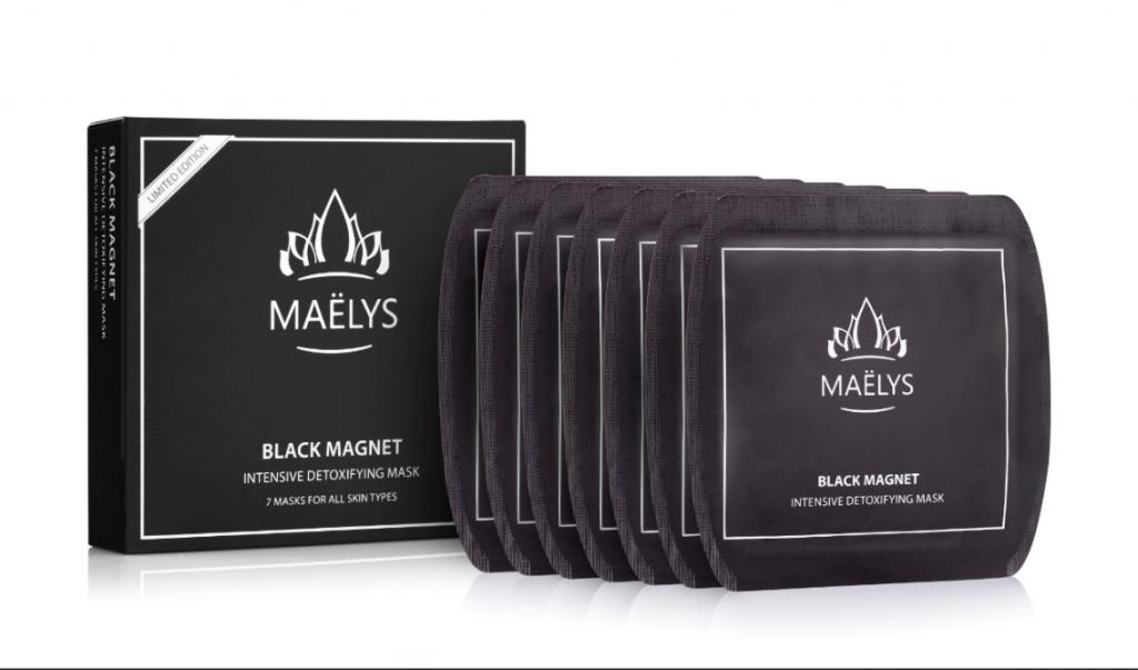 מסכה שחורה של MAELYS   צילום: יח''צ
