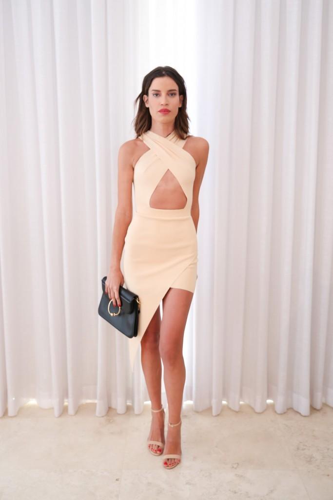 שמלה שתתאים לערב החג | נטלי דדון לאתר האופנה MINE | צילום: אלירן אביטל
