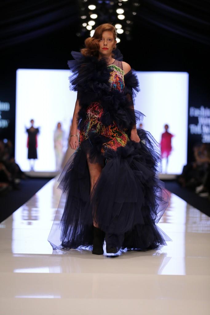 שחר אבנט לחממת המעצבים של מפעל הפיס | שבוע האופנה תל אביב 2018 | צילום: אבי ולדמן