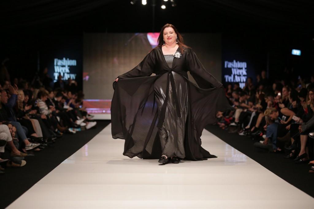 אווה מדז'יבוז' מנכלית האגודה לקידום מעמד האשה   שבוע האופנה תל אביב 2018   צילום: אבי ולדמן