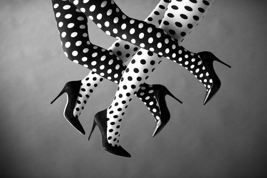 נעליים: אלדו, גרביונים: זוהרה