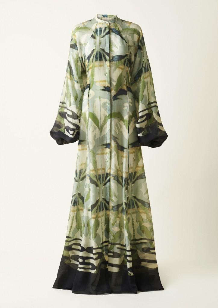 עבודת הרקמה והשטיחים של קרין תורמו להדפסים מרהיבים | H&M Conscious Exclusive | צילום: הנס מוריץ