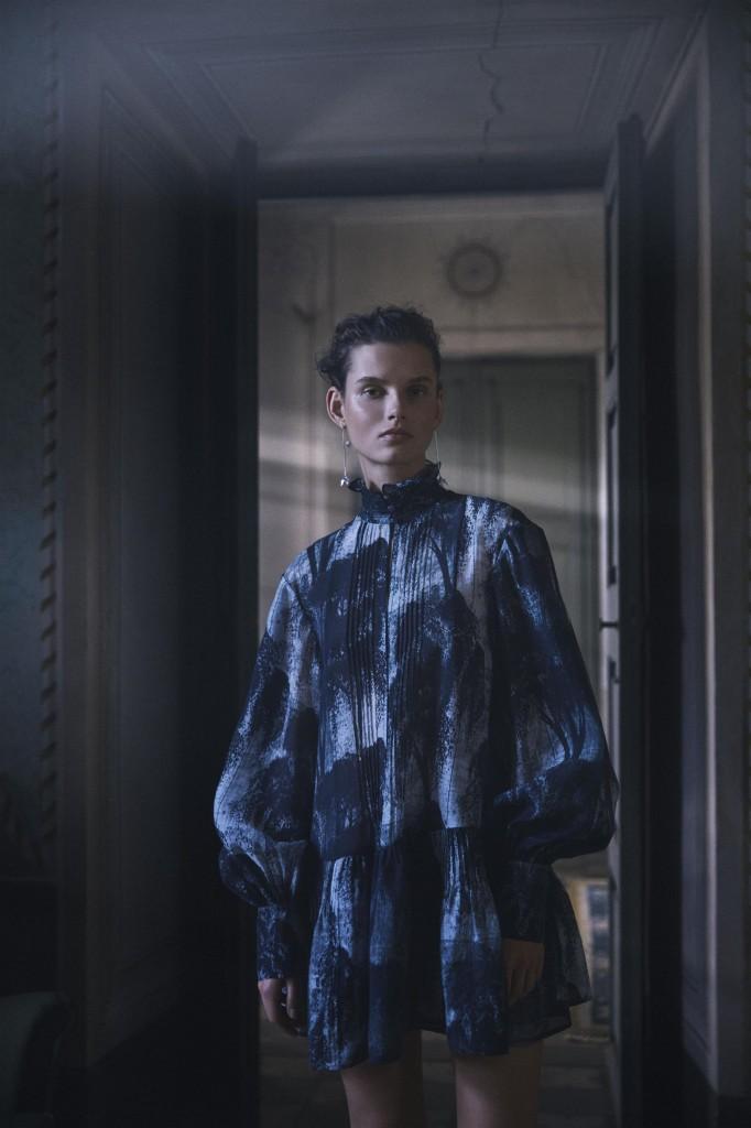 ההשראה נלקחה מביתם של האמנים השוודים קרין וקראל לסון | H&M Conscious Exclusive | צילום: הנס מוריץ
