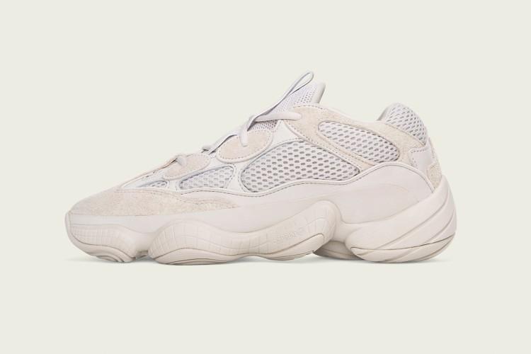 הטירוף חוזר והפעם בגרסה לבנה: הנעל של קניה ווסט לאדידס