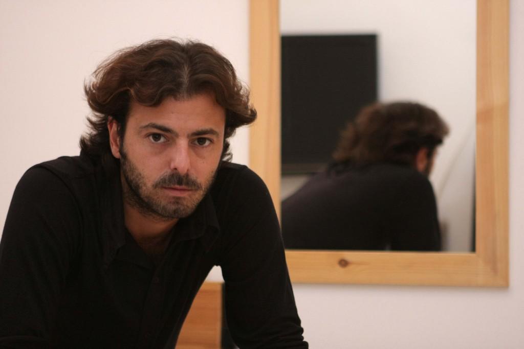 המשורר והסופר יחזקאל נפשי / צילום: גיל לרנר