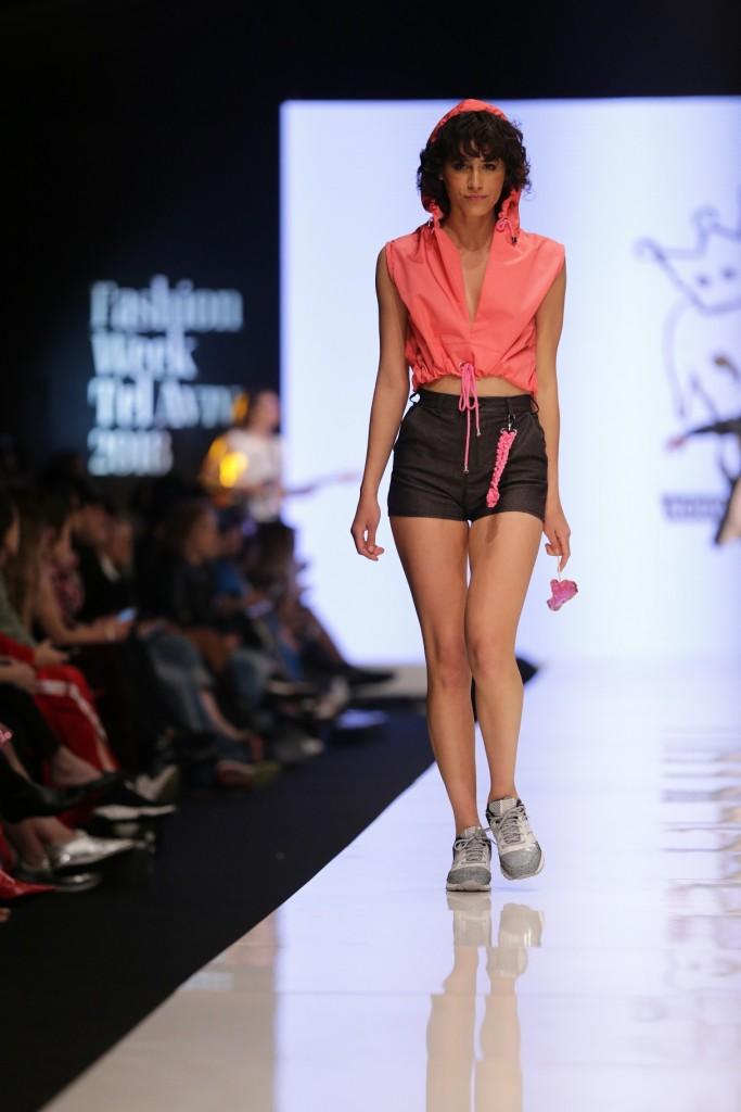 בשנה האחרונה החל לעצב גם לנשים | תצוגת האופנה של 'נובוריש דוג' בשבוע האופנה האחרון | צילום: אבי ולדמן