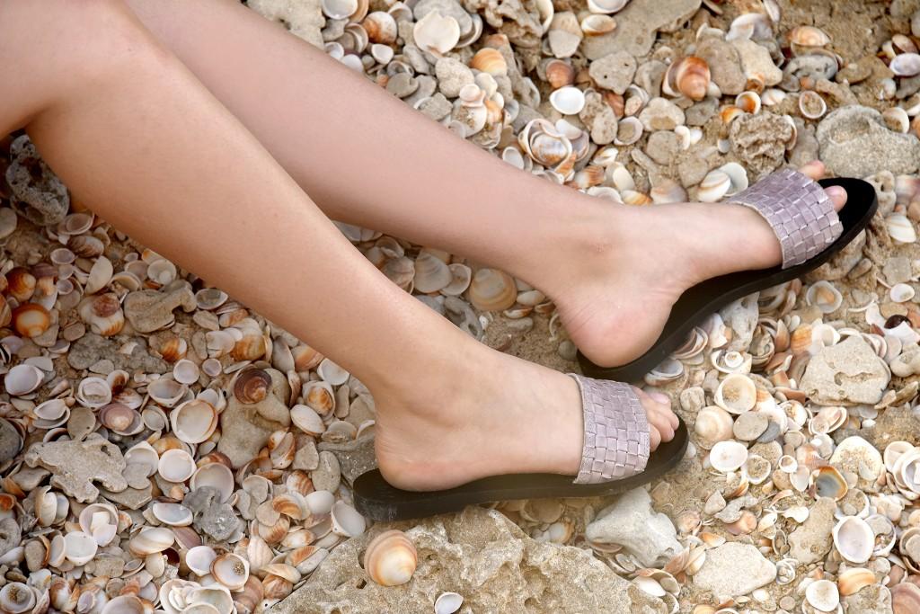 תארזו לנו בבקשה, אנחנו בדרך לחופשה שלנו | קולקציית קיץ של מותג הנעליים AMRIA | צילום: יח''צ