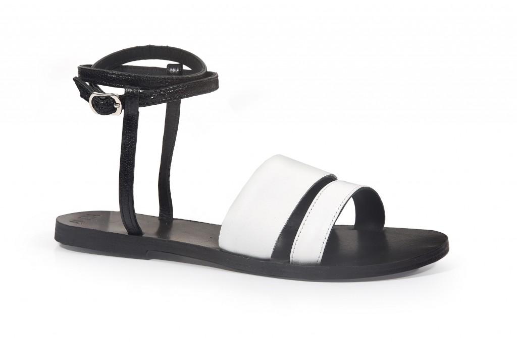 פרשנות עכשווית לסנדלים התנכיים המיתולוגים | קולקציית קיץ של מותג הנעליים AMRIA | צילום: יח''צ