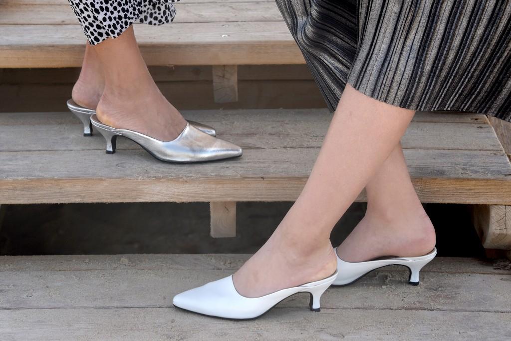 כפכפים סגורים עם מראה אלגנטי שמתאים גם ליום וגם לערב | קולקציית קיץ של מותג הנעליים AMRIA | צילום: יח''צ