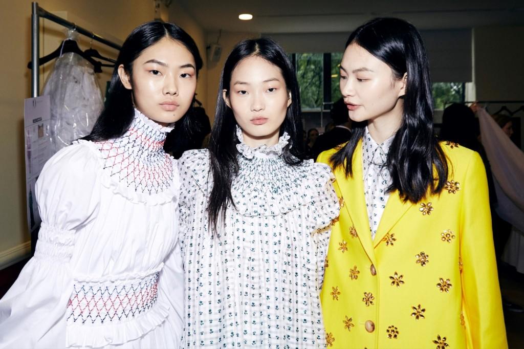 מייבלין ניו יורק חשפה את מראה האיפור החדש וההשראות שלה לצד מעצבים צעירים ומבטיחים, ולצד כישרונות בולטים בתחומי היופי והאופנה / מאחורי הקלעים / מייבלין משיקה את המראה החדש בשבוע האופנה בניו יורק 2019