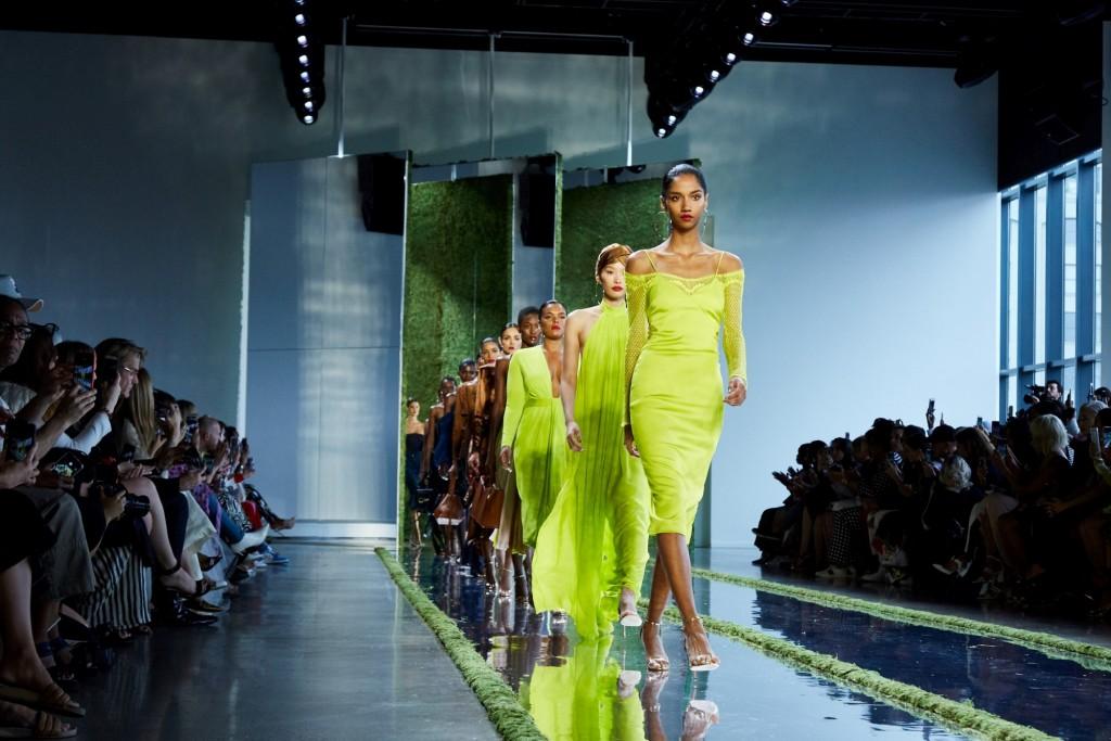 בעונה התשעה עשר שלה כנותנת החסות הרשמית של הקוסמטיקה בשבוע האופנה בניו יורק: מייבלין ניו יורק חשפה את מראה האיפור החדש וההשראות שלה לצד מעצבים צעירים ומבטיחים, ולצד כישרונות בולטים בתחומי היופי והאופנה / מייבלין משיקה את המראה החדש בשבוע האופנה בניו יורק 2019