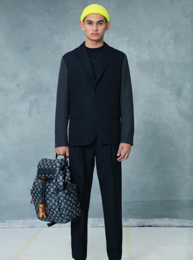 המונוגרמה LV נראית בצורה מתוחכמת על חולצות משי בסגנון יפני או גם על סריגי jacquards ואף בצורה שובבה יותר, על גבי ג'ינס ווסטים וכמובן תיקים / צילום: לואי ויטון מלטייר