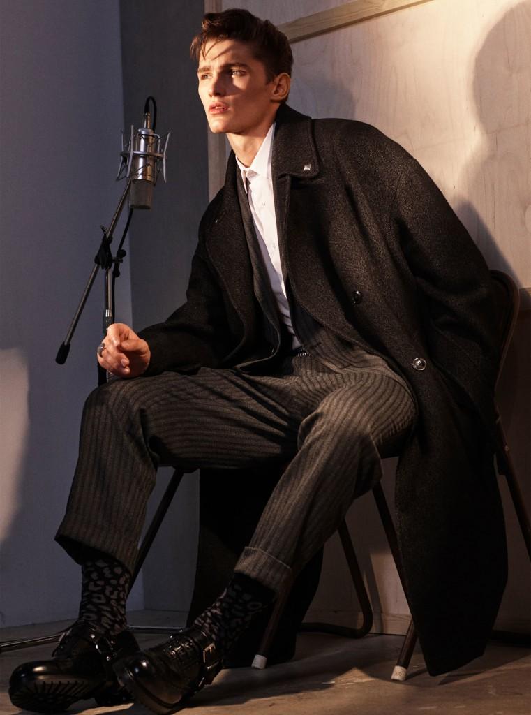 """ZARA MAN זארה גברים בלייזר 699 ש""""ח / חולצה 129.90ש""""ח / מכנסיים 329 ש""""ח / צילום: יח""""צ חו""""ל"""